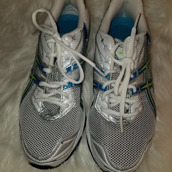 NWOT Asics Gel Galaxy 4 Running Shoe